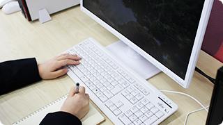 福岡の就労支援A型事業所 エルベスト(elbest)では、綺麗なオフィスで、責任ある仕事を提供します