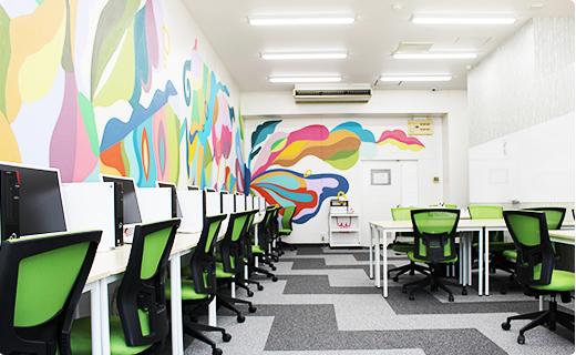 福岡の就労支援A型事業所エルベスト(elbest)のキレイな執務スペース